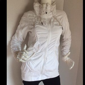 EUC Lululemon white Cool Down reversible jacket 6